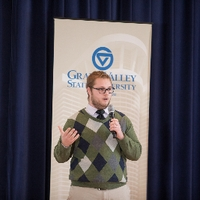 3MT second place winner Christopher Timmer presenting his thesis